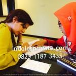 Guru bahasa indonesia untuk orang Jepang